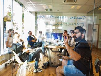 AmirMamaghani, CEO TuringTechnology, vysvětluje, jakfungují nástroje analýzy sentimentu založené naumělé inteligenci